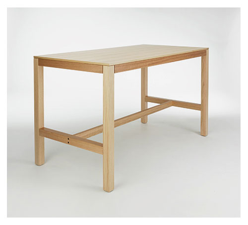 PLANAR Bar Tables